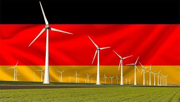 Jo lähes puolet Saksan sähköstä uusiutuvaa